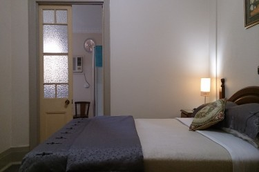 Luxury Queen Room - Boutique Motel Sefton House Tumut Accommodation