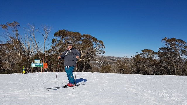 PRISTINE SNOW FIELDS AT MT SELWYN SKI RESORT a group of guests from Boutique Motel Sefton House with owner Tane, enjoy the snow during an escorted group tour