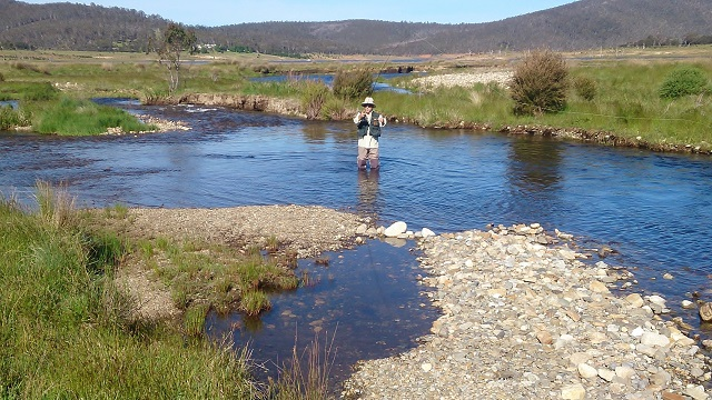 Tony From Tumut Fly Fishing on the pristine Eucumbene River